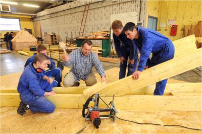 Portes ouvertes au lyc e du bois d 39 envermeu cmp bois for Formation construction bois