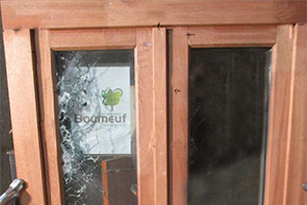 Menuiseries Bourneuf fenêtres bois pare-balle