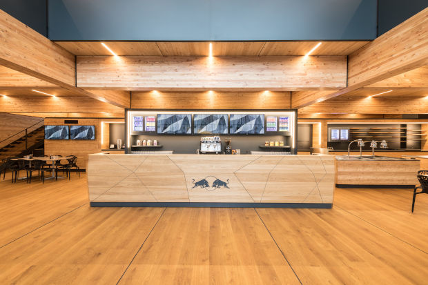 Knapp Red Bull formule 1 construction modulaire bois